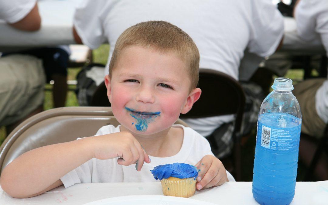 Fahrbarer Mittagstisch für Kindergärten